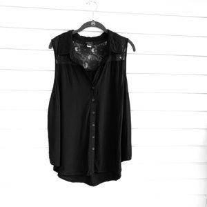 Torrid short sleeve button up blouse